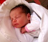 SOFINKA BENEŠOVÁ se narodila 14. března ve 21.17 hodin rodičům Nikole a Michalovi. Vážila 3,24 kg a měřila 51 cm. Spolu se sestřičkou Aničkou mají domov vTrutnově.