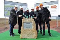 V průmyslové zóně u Teska začala slavnostním poklepem stavba nové trutnovské továrny Pepperle+Fuchs