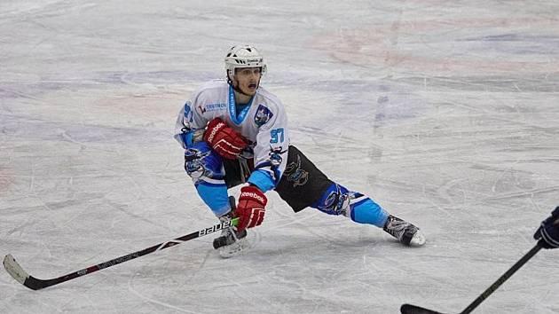 Výkony nováčka krajské ligy v první polovině sezony hodnotil útočník Jan Tatar.