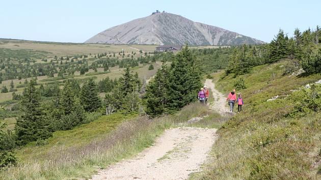 Hory lákají. V roce 2017 navštívilo Krkonošský národní park a jeho ochranné pásmo 3 657 254 lidí. Nejvíce jich přijelo o  svatováclavském víkendu.