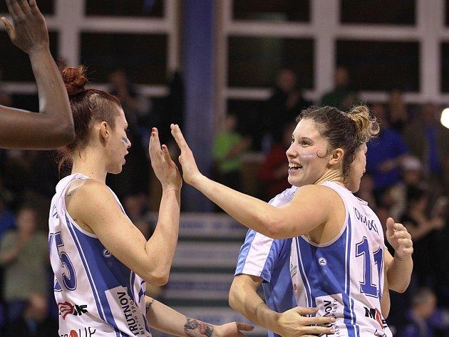 Basketbalový tým žen Kara Trutnov