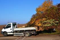 Opravy silnice do Malých Svatoňovic teprve finišují
