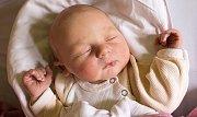 LUKÁŠ KOBRLE se narodil Pavle a Lukášovi 2. října ve 14.20 hodin. Vážil 3,66 kilogramu a bydlet bude s rodiči v Jilemnici. Krkonošský deník se připojuje ke gratulacím.