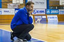 TAK KDE VÁS MÁM? Trenér trutnovských basketbalistek prožil dva měsíce, během nichž tým vedl vlastně po internetu.