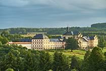 Bez návštěvníků. Největší český barokní areál v Kuksu je do odvolání uzavřen. Safari Park Dvůr Králové nad Labem naopak zůstává otevřen.