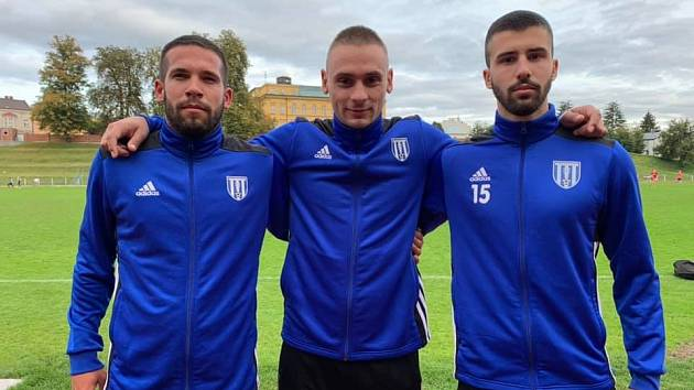 Dvůr vsadil na trio Srbů. A na podzim jim to pálilo.