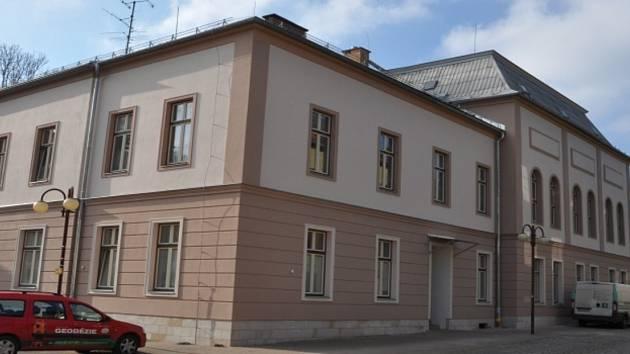 Základní škola Jana Harracha v Jilemnici.