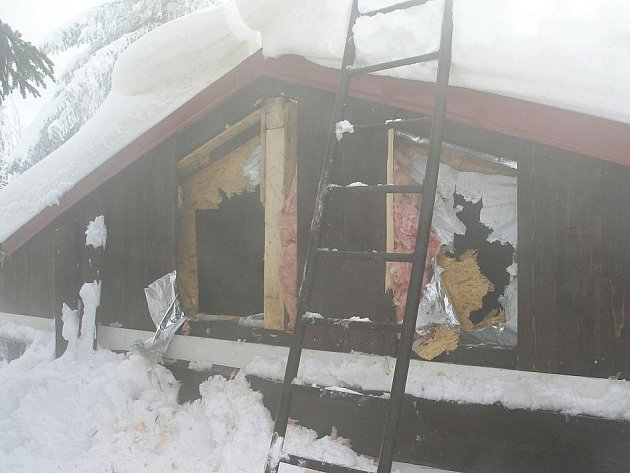 U Kolínské boudy hořela dřevěná sauna