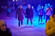 Ice párty na ledě trutnovského zimního stadionu.