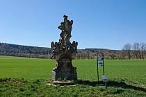 Sousoší sv. Floriána v Žirči patří mezi drobné venkovské sakrální památky. Vzniklo v období baroka v letech 1725 - 1730 a jeho autorství je připisováno Jiřímu Františku Pacákovi, dvornímu sochaři žirečských jezuitů.
