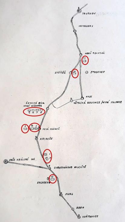 Mapka zknihy Františka Ťopka svyznačením exhumovaných hrobů obětí.