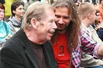 VÁCLAV HAVEL navštívil trutnovský hudební festival v areálu Bojiště několikrát.