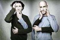 Fenomenální komici The Umbilical Brothers z Austrálie vystoupí v pondělí v trutnovském Uffu.