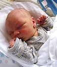 SEBASTIÁN KEVIN DŽURBAN se narodil 21. března v8.26 hodin mamince Jarmile. Vážil 3,42 kg a měřil 50 cm. Spolu sbráškou Jakubem Máriem bydlí vBroumově.