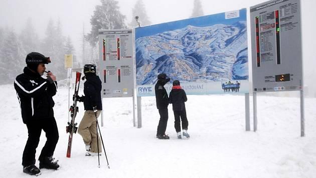 Momentka z lyžařské sezony v Krkonoších.