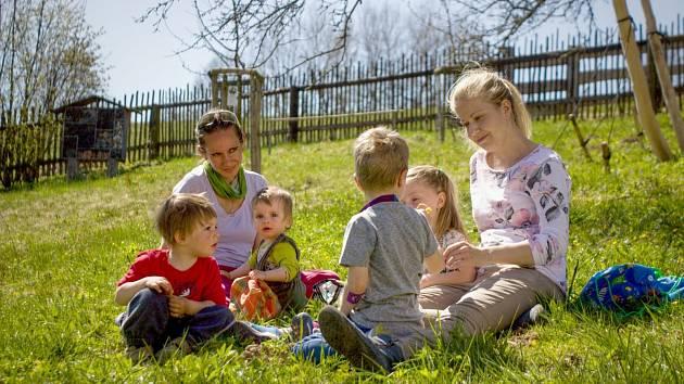 Certifikovaná přírodní zahrada Dotek v Horním Maršově nabízí vstup zdarma.