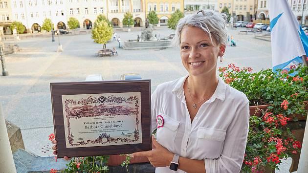 Barbora Chmelíková obdržela kulturní cenu města Trutnova za oblíbený projekt Listování.