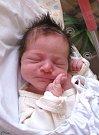 KRISTINA TUČKOVÁ se narodila 4. března v9.38 hodin rodičům Veronice a Radkovi. Vážila 3,14 kg a měřila 47 cm. Spolu se sestřičkou Justýnou mají domov vChýnově.