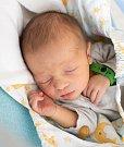 OSKAR ŠTROP se narodil v jilemnické porodnici 28. srpna v  11.55 hodin rodičům Jitce a Miroslavu Štropovým. Vážil 3 290 gramů a měřil 50 centimetrů. Rodina má domov v Janově nad Nisou.