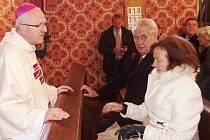 Světit zvony do Přepeř přijela i Livie Klausová