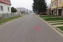 Ke střetu cyklisty a peugeotu došlo v Benešově ulici v Trutnově - Poříčí.
