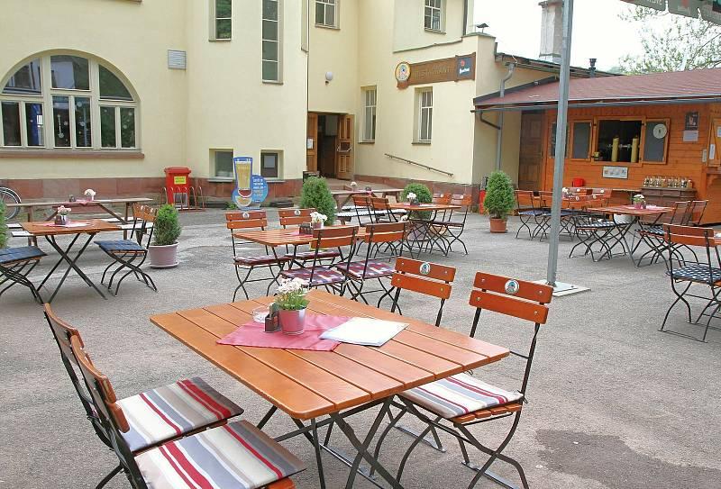 Ve Vrchlabí se v pondělí 17. května otevřely zahrádky restaurací a kaváren.
