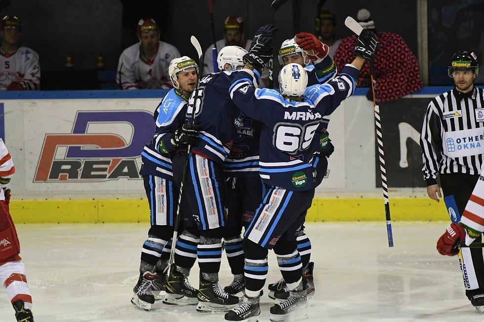 Vrchlabští hokejisté si se soupeřem z Frýdku-Místku nebrali servítky.