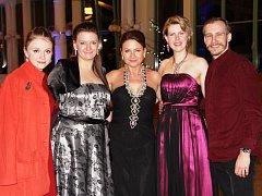 Plesovou kolonádou tančila i Marie Doležalová a Marek Zelinka