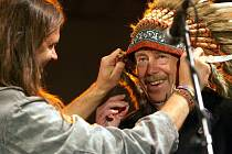 Václav Havel dostal od pořadatelů trutnovského rockového festivalu přezdívku Náčelník.