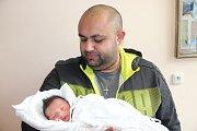 GEJZA JANO se narodil 7. března ve 23.16 hodin rodičům Olze Janové a Gejzovi Gorolovi. Vážil 2,45 kilogramu a měřil 45 centimetrů. Doma v Trutnově už na sourozence čeká i sestra Laura Gorolová.