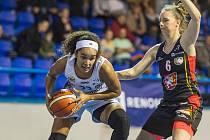 V derby basketbalistek vyhrál favorizovaný Hradec Králové v Trutnově 100:53. Součástí zápasu byla charitativní akce se Stacionářem mezi mosty Trutnov.