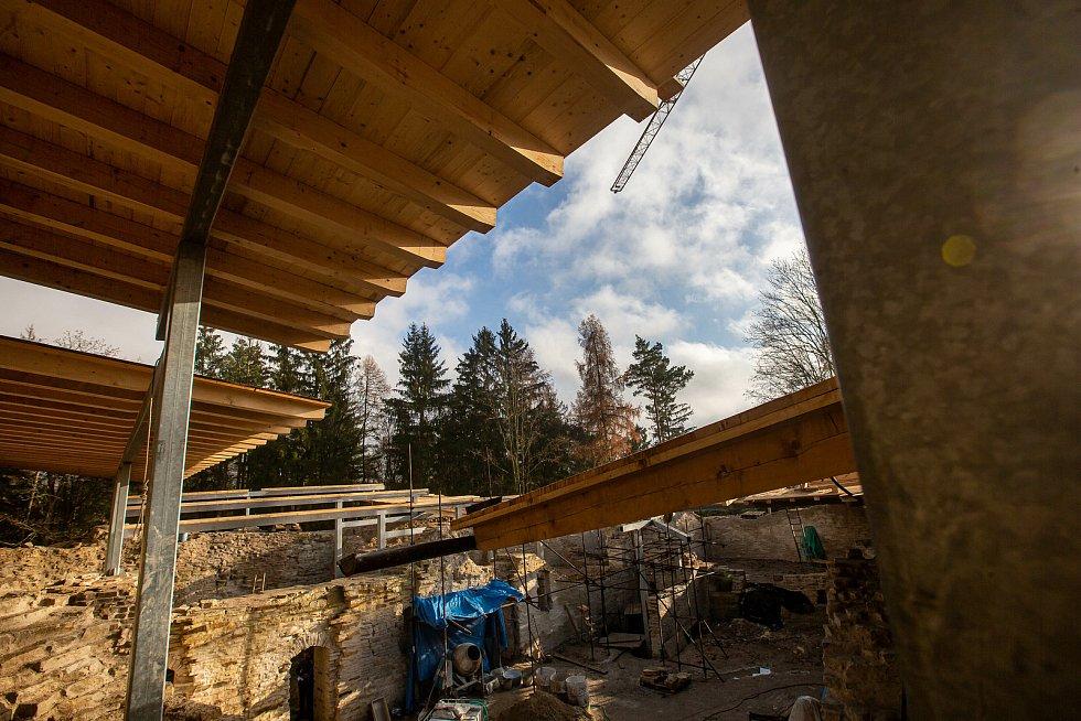 U Havlovic finišuje rekonstrukce zříceniny hradu Vízmburk.