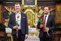 Trumpetista Jiří Houdek a varhaník Petr Čech vystoupili v kostele Nejsvětější Trojice v Kuksu. V sobotu 18. července se tam uskuteční koncert sólistky drážďanské Semperovy opery Štěpánky Pučálkové a varhanice Michaely Káčerkové.