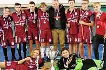 """Chlapci od """"Letadla"""" okresními přeborníky ve florbalu 2018/2019"""