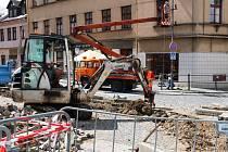 OMEZENÝ PRŮJEZD TURNOVEM. Město na začátku týdne začalo s rekonstrukcí hlavního tahu z Liberce na Semily. Aktuálně probíhají stavební úpravy v ulici Antonína Dvořáka.