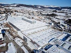 ŠKODOVÁCKÝ ZÁVOD na výrobu převodovek, který zaměstnává tisícovku lidí, je hlavním bodem vrchlabské průmyslové zóny. Celkové investice do ní se šplhají k 662 milionům.