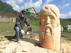 Dřevořezbáři opět soutěží v Prkenném Dole