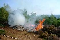 Požár skládky v Semilech