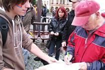 Demonstrace proti těžbě břidlicových plynů v Trutnově