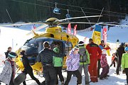 Snowboardista dopadl při skoku na hlavu, byl v umělém spánku