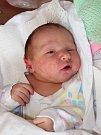 EMÍLIE KORNFELDOVÁ se narodila 2. května v 8.12 hodin Kateřině Ryplové a Jiřímu Kornfeldovi. Vážila 3,44 kilogramu. S rodinou bude bydlet v Janských Lázních.