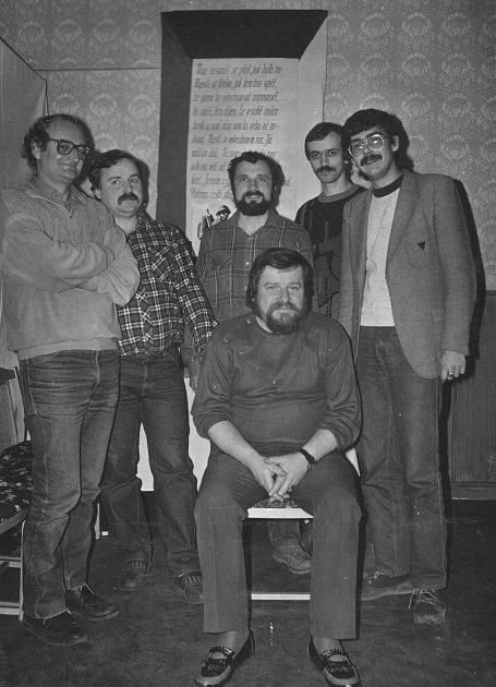 Je únor 1989a Stachelberg pořádá vTrutnově první výstavu očs. opevnění.