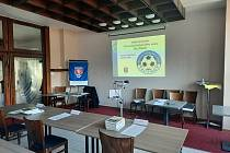 Páteční volby proběhly v prostorách trutnovského Hotelu Patria.