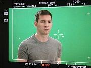 Slavný argentinský fotbalista Lionel Messi při natáčení reklamy pro katarského mobilního operátora Ooredoo, u kterého byl Ondřej Hübl.
