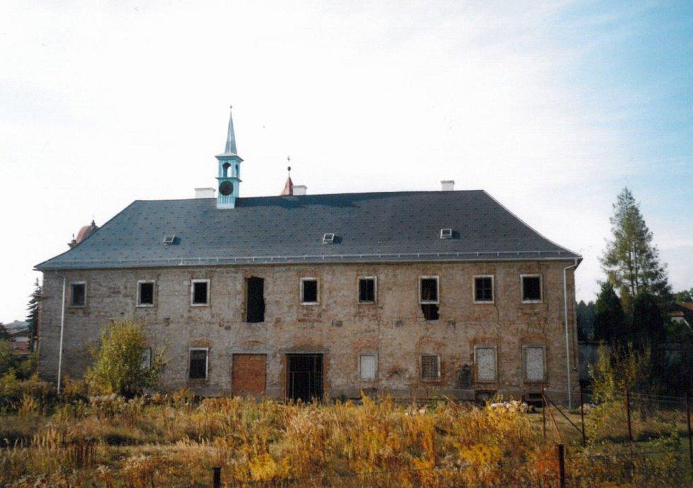 Františkánský klášter, rok 2006.