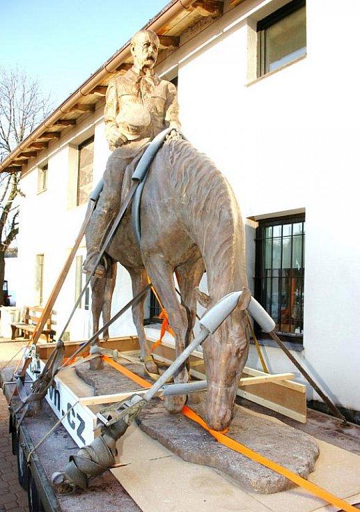Převoz sochy T. G. Masaryka z Horní Kalné do Lán
