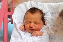 KAROLÍNA SLAVÍKOVÁ se narodila 25. listopadu v 00.09 hodin mamince Monice. Vážila 3,06 kg a měřila 49 cm. Domov mají v Trutnově.