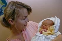 ANNA KRÁTKÁ se narodila 23. října v 15.50 hodin mamince Veronice a tátovi Janovi. Vážila 2,85 kg a měřila 47 cm. Doma jsou v Trutnově.