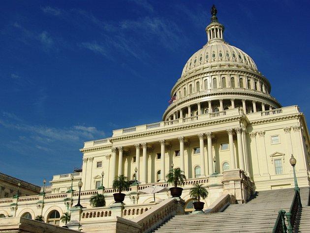 Západní průčelí Capitolu, pojem přední a zadní se záměrně neužívá