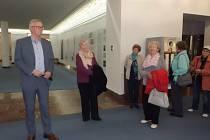 Klub důchodců navštívil Poslaneckou sněmovnu